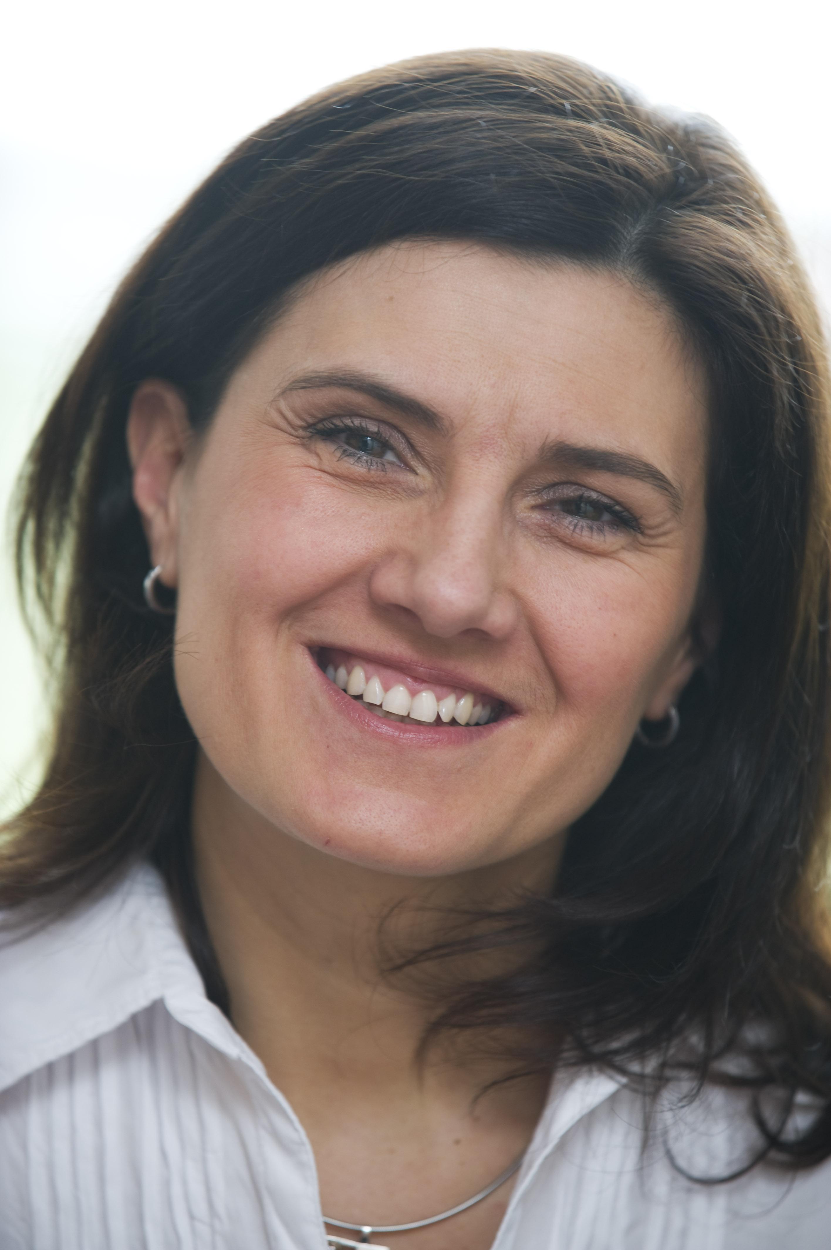Dr. Andrek Andrea