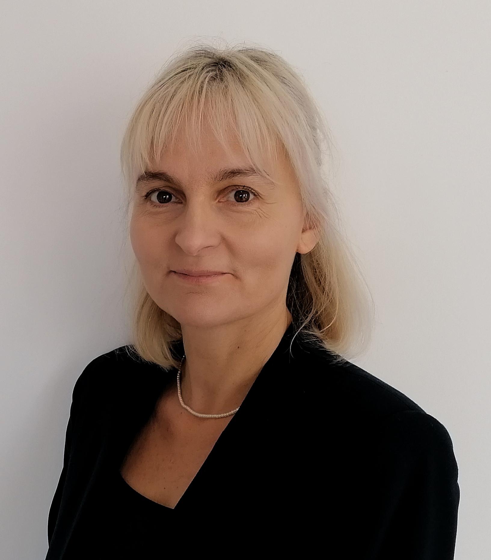 Dr. Ildikó Horváth